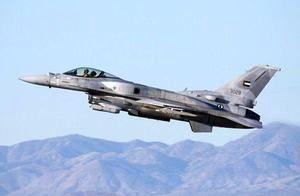 پرواز جنگنده های اماراتی در آسمان قطر