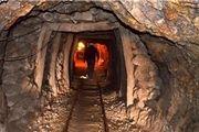 یک مصدوم در پی ریزش جزئی معدن در طزره سمنان