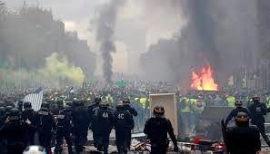درگیری شدید میان معترضان و پلیس فرانسه