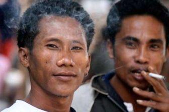 اندونزیایی ها سالانه ۱۵ میلیارد دلار سیگار دود می کنند