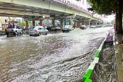 آبگرفتگی معابر عمومی نوشهر به علت بارندگی شدید