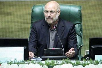 رهبر انقلاب نماد و طلائیهدار خط امام خمینی است/راهی جز مردمباوری نداریم