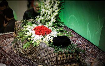 رهبر معظم انقلاب وارد مصلی امام خمینی (ره) شدند