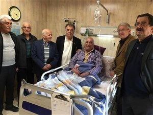 سرمربی اسبق تیم ملی ایران در بستر بیماری