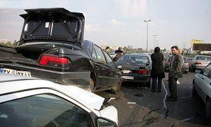 تصادف زنجیرهای ۳ خودرو حادثه ساز شد