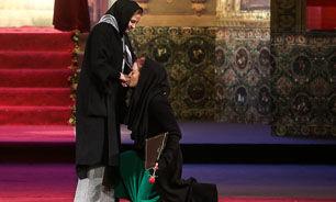 بوسه مریلا زارعی بر دست مهری شیرازی + فیلم