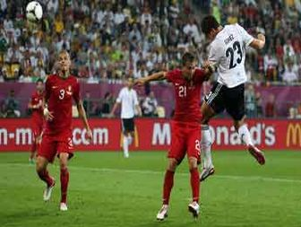 Gomez gives Germany edge over Portugal