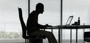 ۷ بیماری که با ۹۰ دقیقه متوالی روی صندلی نشستن به سراغتان میآید