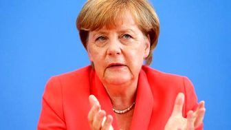مرکل: مسلمانان به آلمان متعلق هستند