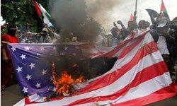 فلسطینی ها پرچم آمریکا و انگلیس را به آتش کشیدند