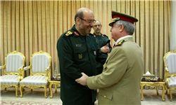 هشدار وزیر دفاع به کشورهای همسایه سوریه