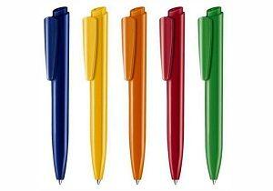 خودکار خارجی در دستان دانش آموزان