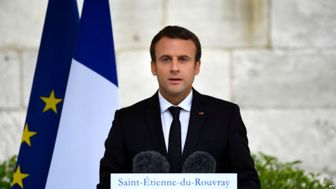 مکرون: فرانسه قرنطینه میشود