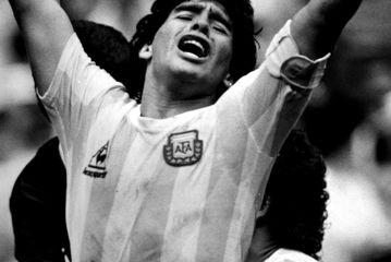عکسهای مارادونا اسطوره فوتبال جهان/گزارش تصویری