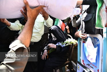 3913416_13.بازگشت-پیکر-شهید-محمد-آقالر-به-آغوش-مادر-پس-از-۳۳-سال-1