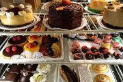 تاثیر دلار بر بازار شیرینی و شکلات شب عید