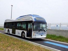 اتوبوسی که کف جاده شارژ میشود!