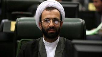 مجمع تشخیص تحت تأثیر فشارهای رسانهها قرار نگیرد