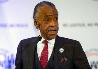 کشیش سیاه پوست: ترامپ از سیاه پوستها و رنگین پوستها متنفر است