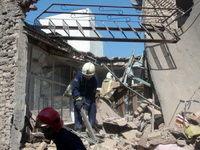 نجات سه کارگر ازحادثه آوار ساختمان قدیمی