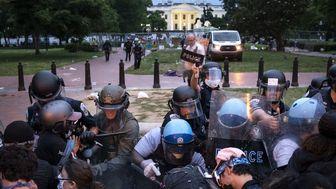 درگیری پلیس آمریکا با معترضان در نزدیکی کاخ سفید