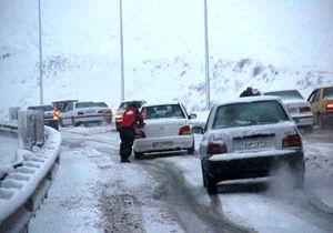 ترافیک در آزاد راه تهران- کرج نیمه سنگین است