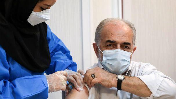 تصویر از واکسیناسیون دومین گروه هنرمندان پیشکسوت