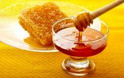 واردات ۲۸ هزار تن موم زنبور عسل به کشور