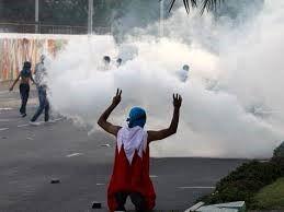 سرکوب تظاهرکنندگان بحرینی با گلوله