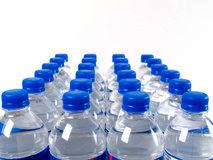 چرا نباید بطری آب را در فریزر قرار دهیم؟!