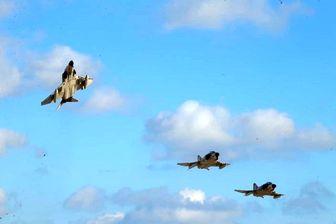 تیزپروازان نیروی هوایی ارتش اقتدار خود را به نمایش گذاشتند