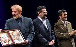 احمدینژاد، پاسخگوترین فرد / مشایی،  خبرسازترین
