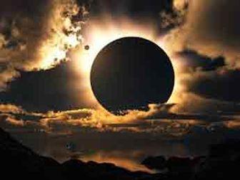چرا گرمای خورشید از خنکای ماه بیشتر است؟
