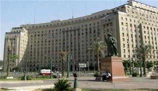 تعطیلی بزرگترین ساختمان اداری در قاهره