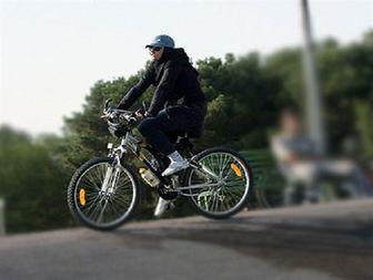 تردد بانوان دوچرخه سوار در سطح شهر با چراغ سبز مسئولین بهبهان