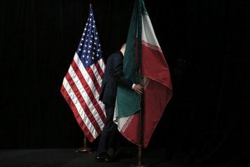 طرفداران مذاکره با آمریکا لطفا سکوت کنند