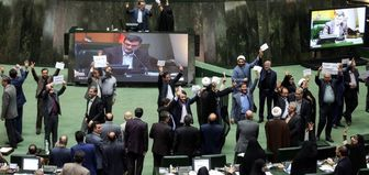مجلس با طنین «مرگ بر آمریکا» اقدام خصمانه آمریکا علیه ایران را محکوم کرد