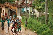 فوتبال در کوچه و خیابانهای برزیل / گزارش تصویری
