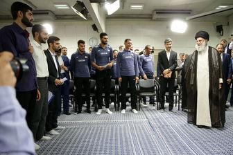 رهبر انقلاب: همیشه اعتقاد داشتهام که سرمربی ما باید ایرانی باشد
