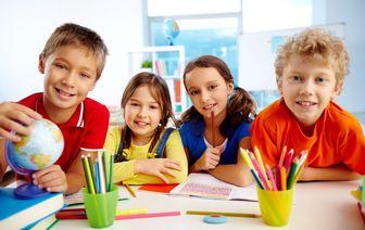 از چه سنی کودکان میتوانند زبان دوم بیاموزند؟