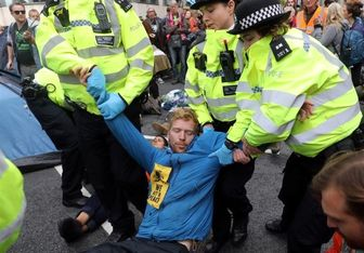 بازداشت بیش از ۳۰۰ فعال مدنی در انگلیس