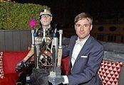 ساخت مرد مصنوعی کامل یک میلیون دلاری!