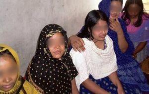 خرید دختران مصری به مبلغ هزار دلار/ عکس