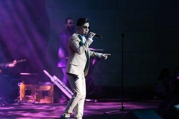 کنسرت محسن ابراهیم زاده در روز ششم جشنواره موسیقی فجر/ گزارش تصویری