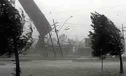 طوفان در زاهدان چهار قربانی گرفت