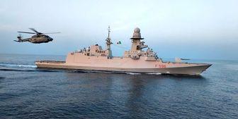 این کشتی جنگی در تنگه هرمز چه می کند؟