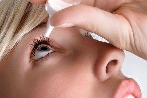 استفاده خودسرانه از قطرههای چشمی برای رفع آلرژی چه عوارضی دارد؟