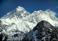 مشکل نبود توالت در بلندترین قله جهان