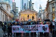 طرفداران محیط زیست چهارراه مهم مالی لندن را تصرف کردند