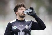 اکبر منادی دروازه بان سایپا به دنبال حضور در تیم ملی